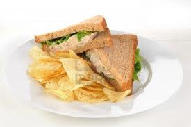 tuna sandich w chips