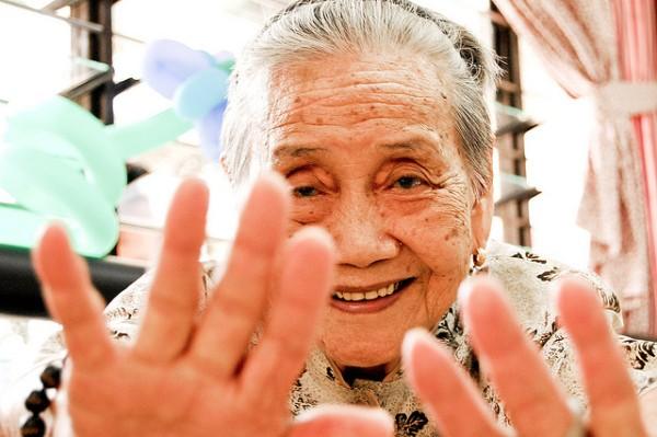 old woman Fechi Fajardo