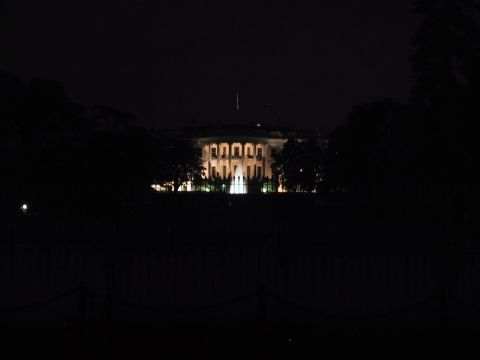 White_house_at_night